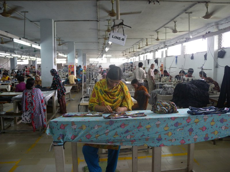 Garment_factory_in_Bangladesh_Women_working.jpg